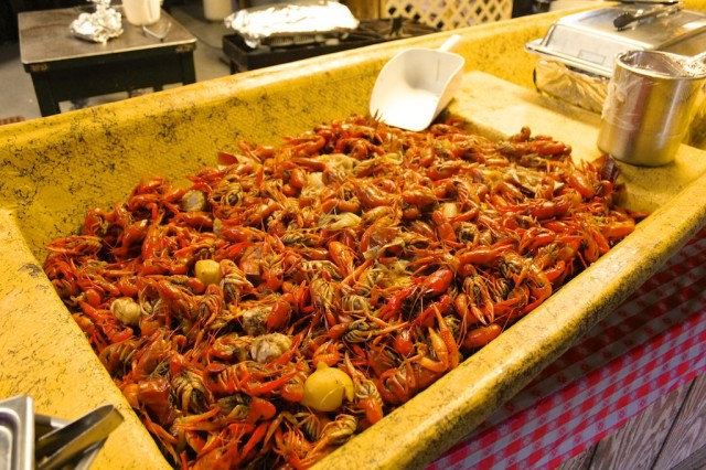 Crawfish Boil 015